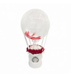 Букет из 15 красных роз и конфет Раффаэлло в шляпной коробке с шаром «Ты моя жизнь»