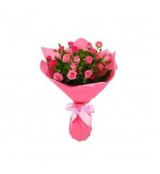 Букет из 5 розовых кустовых роз «На крыльях любви»