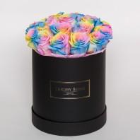 Букет из 19 радужных роз в шляпной коробке «Оттенки любви»