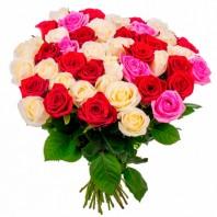 Букет из 59 разноцветных роз «Яркая фантазия»