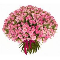 Букет из 101 розовой кустовой розы «Сладкая вата»