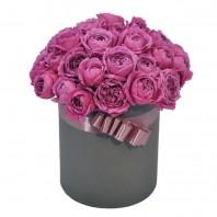 Цветы в коробке с 15 пионовидными розами Мисти Баблз «Розовые пузыри»