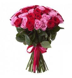 Букет-микс из 43 роз красного и рового цвета  «Баллада о любви »
