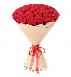 Букет из 51 красной розы «Сказочный поцелуй»