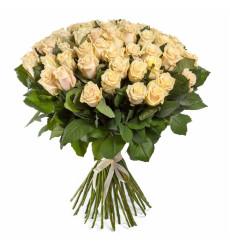 Букет из 51 кремовой розы  «Взбитые сливки»