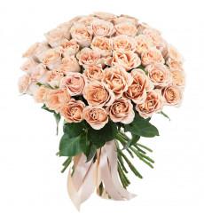 Букет из 61 кремовой розы  « Воздушный поцелуй »