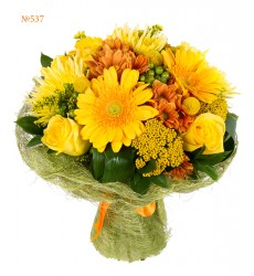 Букет из роз, гербер, хризантем, краспедий и зелени «Позднее лето»