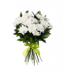 Букет из 17 белых кустовых хризантем «Белоснежный шёлк»