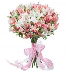 Букет из 15 розовых и белых альстромерий «Розовое вдохновение»