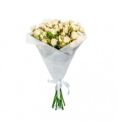 Букет  из 11 кустовых роз «Белая магия»