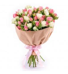 Букет  из 11 кустовых роз «Любовная песня»