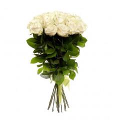 Букет  из 12 белых роз  «Нежное прикосновение »