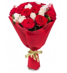 Букет из 21 красной и белой розы «Адалин»
