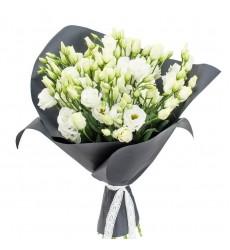Букет из 9 белых лизиантусов «Цветочный сон»