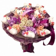 Букет из 11 игрушек Hello Kitty, бабочек и шариков ротанга «Принцесса-кошечка»
