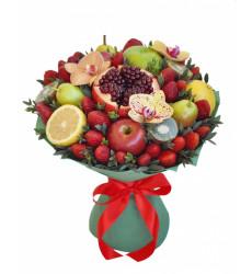 «Букет из клубники, граната, яблок и груш»