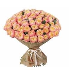 Букет из 100 пионовидных роз Пич Вувузела «Розовое облако»