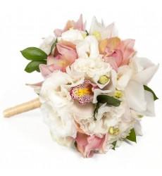 Букет невесты из 11 орхидей и 6 эустом «Царевна-лебедь»