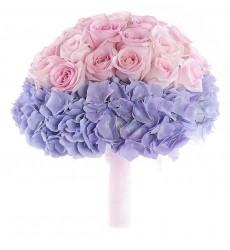 Букет невесты из 21 розовой розы и 2 лиловых гортензий «Летящий образ»