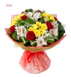 Букет из 7 роз, 4 кустовых хризантем и 7 альстромерий «Цветочный колорит»