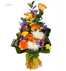 Букет из 2 альстромерий, 8 ирисов, 6 роз и 5 хризантем «Цветочный восторг»