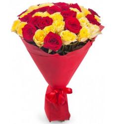 Букет-микс из 41 розы красного и желтого цвета «Волшебный рассвет »