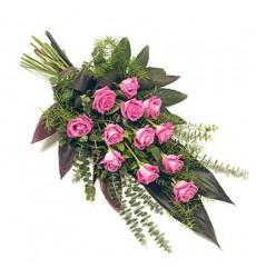 Букет из 12 роз Аква и зелени «Розовое пламя»