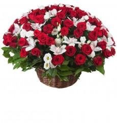 Корзина цветов со 151 розой Гран При «Музыка страсти»