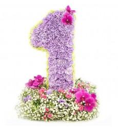 Цветочная композиция цифра из 220 гвоздик, роз и орхидей «Цветочное поздравление»