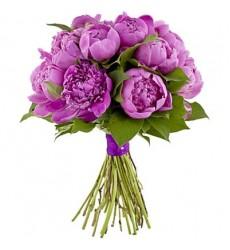 Букет невесты из 15 фиолетовых пионов «Узы Гименея»