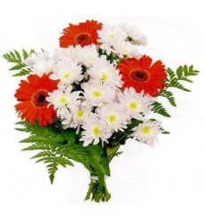 Букет из 4 кустовых хризантем и 3 гербер «Сантименты»