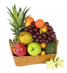 Фруктовая корзина с ананасом, авокадо и сладкими фруктами «Небесный сад»