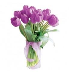 Букет из 15 малиновых тюльпанов «Озорной поцелуй»
