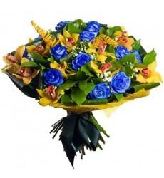 Букет из 15 синих роз и 12 орхидей «Креатив»