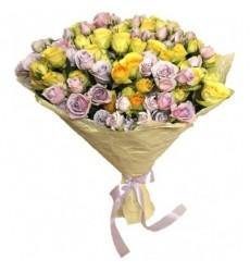 Букет из 25 кустовых роз «Пастельные тона»