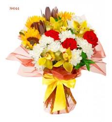 Букет из 5 орхидей, 3 роз и 3 подсолнухов «Три солнца»