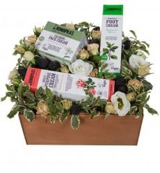 Подарочная коробка с цветами и кремами для ног, для рук и для лица Dr.K «Магия совершенства»
