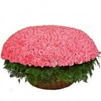 Корзина цветов с 1001 красной розой «Сказки Шахерезады»