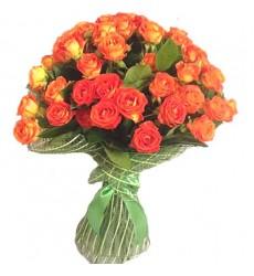 Букет из 11 кустовых роз «Бонджорно»