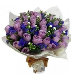 Букет из 31 фиолетовой розы «Волшебная ночь»