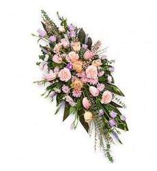 Цветочная композиция из роз, тюльпанов, гвоздик, эустом и хризантем «Эталон»