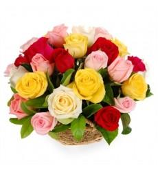 Корзина цветов с 25 розами «Милая цветочница»