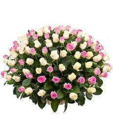 Корзина цветов со 101 розой «Итальянка»