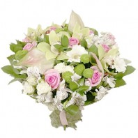 Букет из 15 орхидей, хризантем и роз «Марисабель»