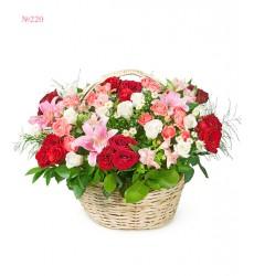 Корзина цветов с 34 розами «Тургеневская девушка»