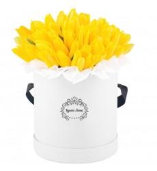 Цветы в шляпной коробке с 51 жёлтым тюльпаном «Жёлтая фантазия»