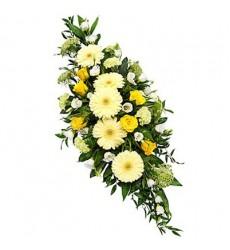 Цветочная композиция из 5 гербер, 5 роз и 6 эустом «Золотые бусы»