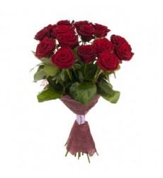Букет  из 15 красных роз «Изысканный багрянец»