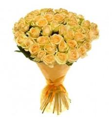 Букет из 51 розы «Абрикосовые грёзы»