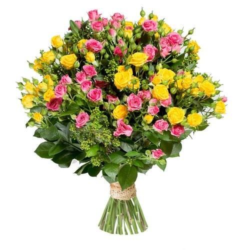 Букет из 15 кустовых разноцветных роз «Цветочная ода»